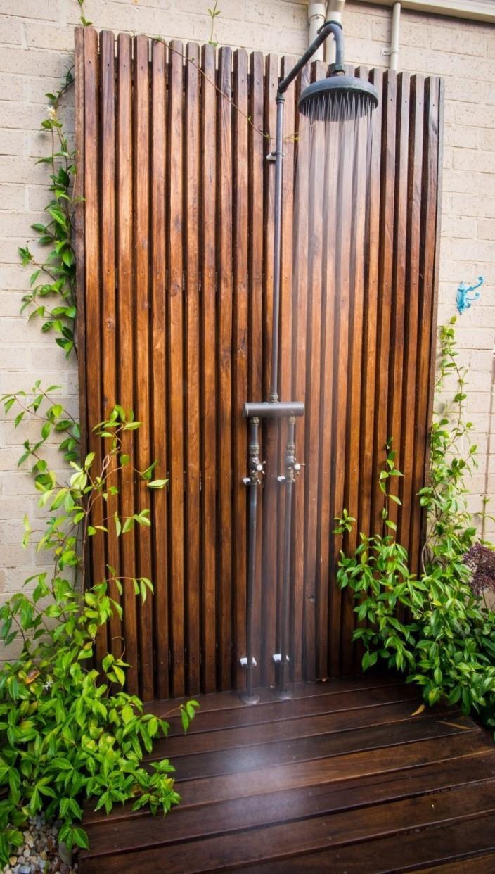 outdoor shower location